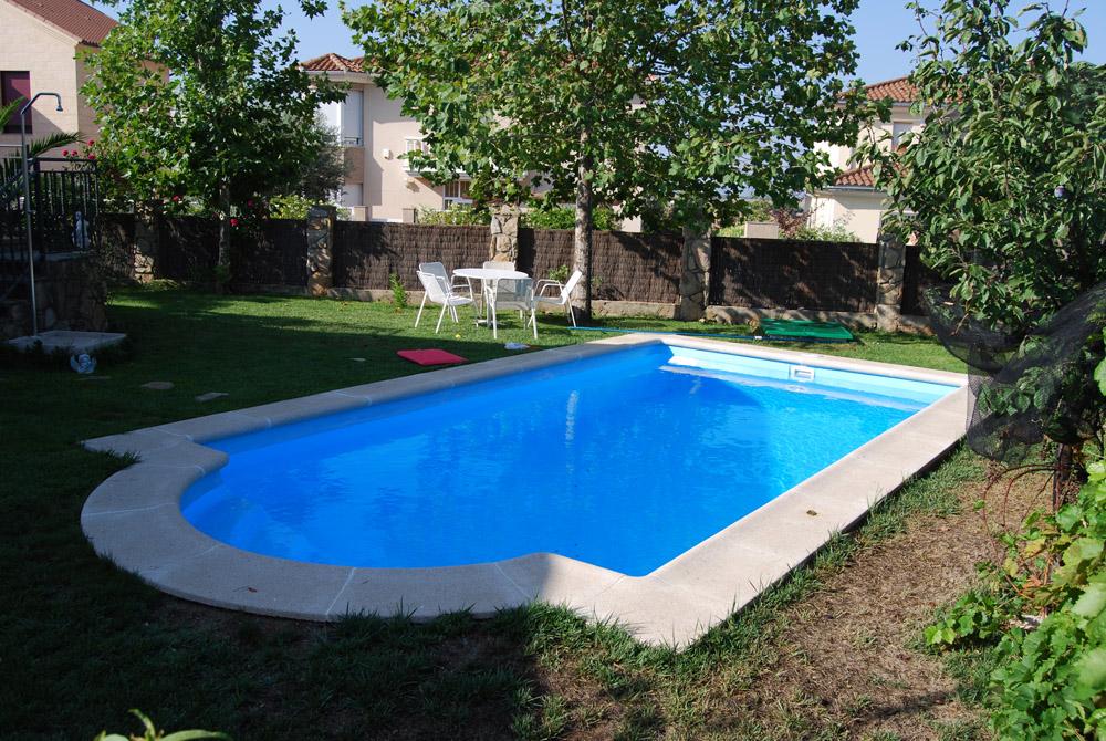 Para nuestra familia piscinas prefabricadas en caceres for Piscinas prefabricadas