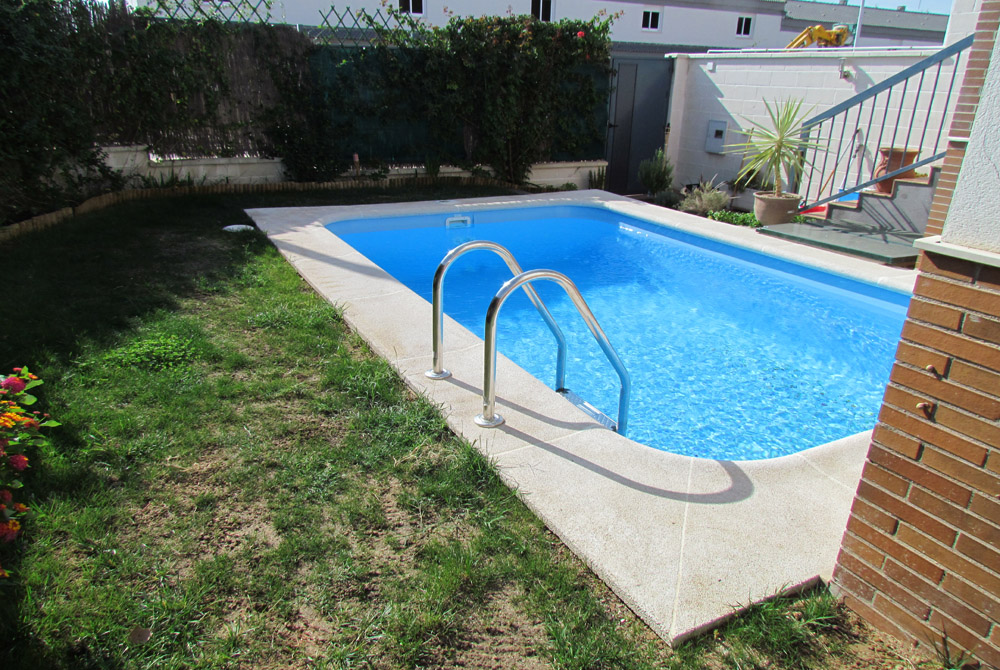Piscinas para patios simple patio interno piscinas para - Piscinas para patios ...